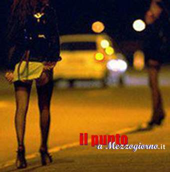 Rischio incidenti a causa di donne seminude, multate tre prostitute