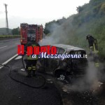 Tamponamento sull&#8217;A1 nei pressi di San Vittore. Auto distrutta dalle fiamme