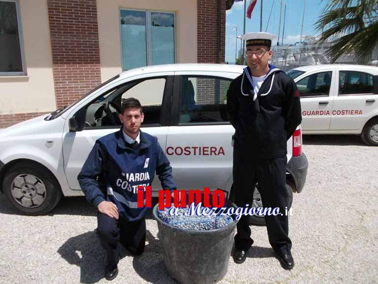 La Guardia Costiera di Giulianova sequestra oltre 90 kg di vongole