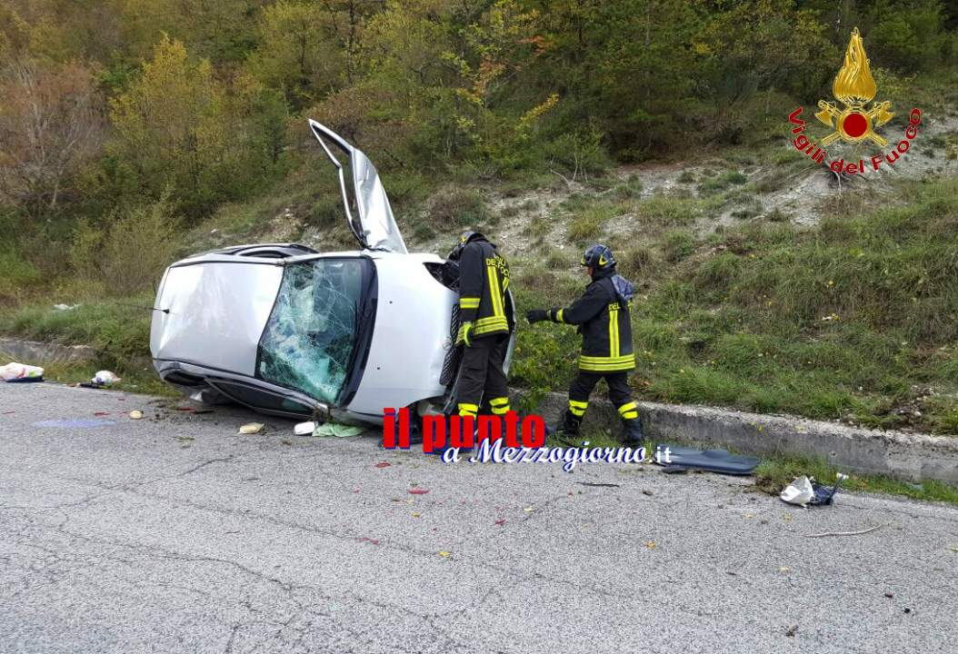 Madre e figlia minorenne feriti in incidente a Rieti