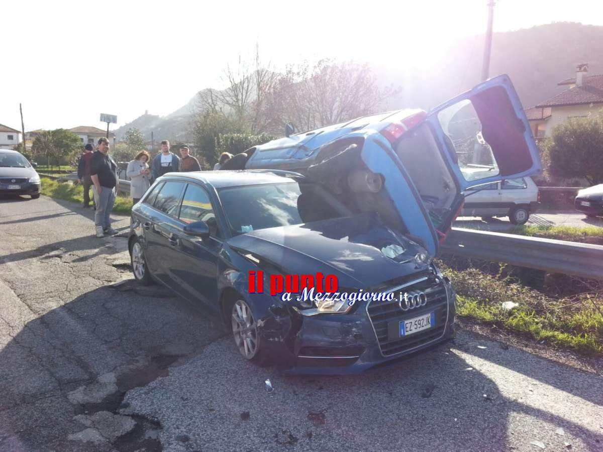 Incidente stradale in via Sferracavallo a Cassino, ferita mamma e figlio