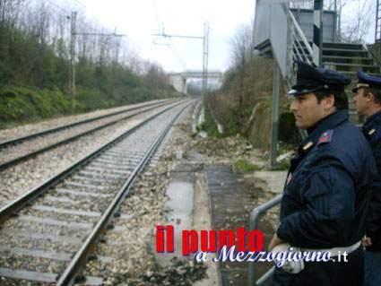 Travolto dal treno a Itri. Si cerca la testa, vittima senza identità