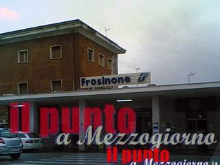 Aggrediscono e rapinano passanti alla stazione ferroviaria di Frosinone, arrestati tre stranieri