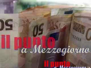 Latina, sradicano bancomat ma lo abbandonano con 50mila euro all'interno