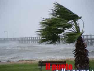 Allerta meteo nel Lazio, 36 ore di forte vento