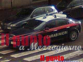 Fermano un'auto a Cassino e rapinano 8mila euro al conducente, indagini in corso