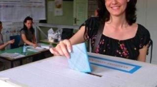 Cassino al ballottaggio, affluenza alle ore 12 al 18,5% nella prima domenica estiva