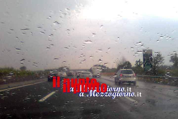 Allerta meteo in dieci regioni, pioggia e temporali al centro-sud