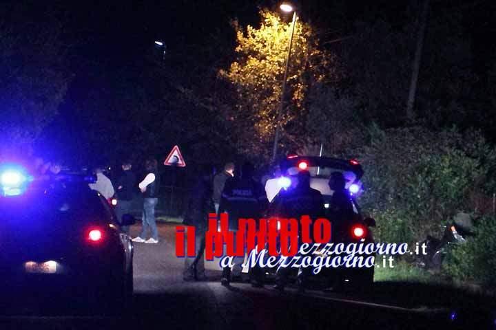 Auto si ribalta sulla Montilepini e finisce in un giardino, ferito il conducente