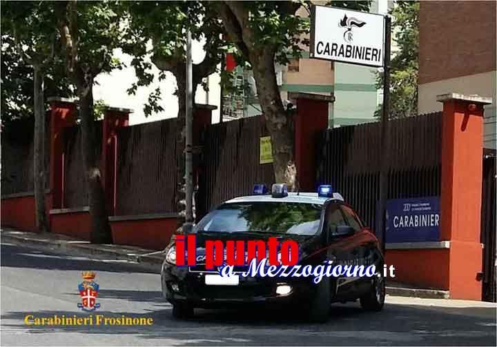 Inseguiti dai carabinieri ladri si schiantano contro un muro a Ceprano