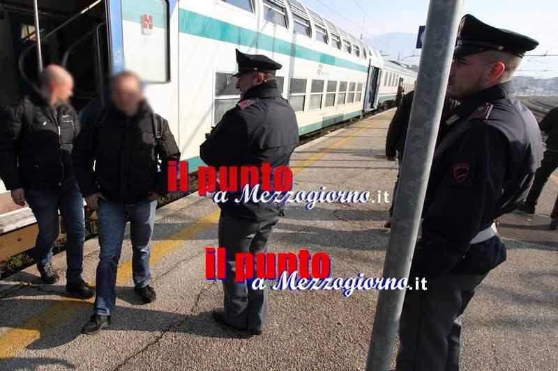 Molesta una minorenne e le offre soldi per sesso, denunciato 57enne a Cassino