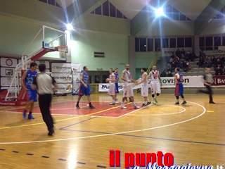 La Virtus Cassino non fa sconti alla Virtus Fondi . 98 a 74 , il sogno play off continua