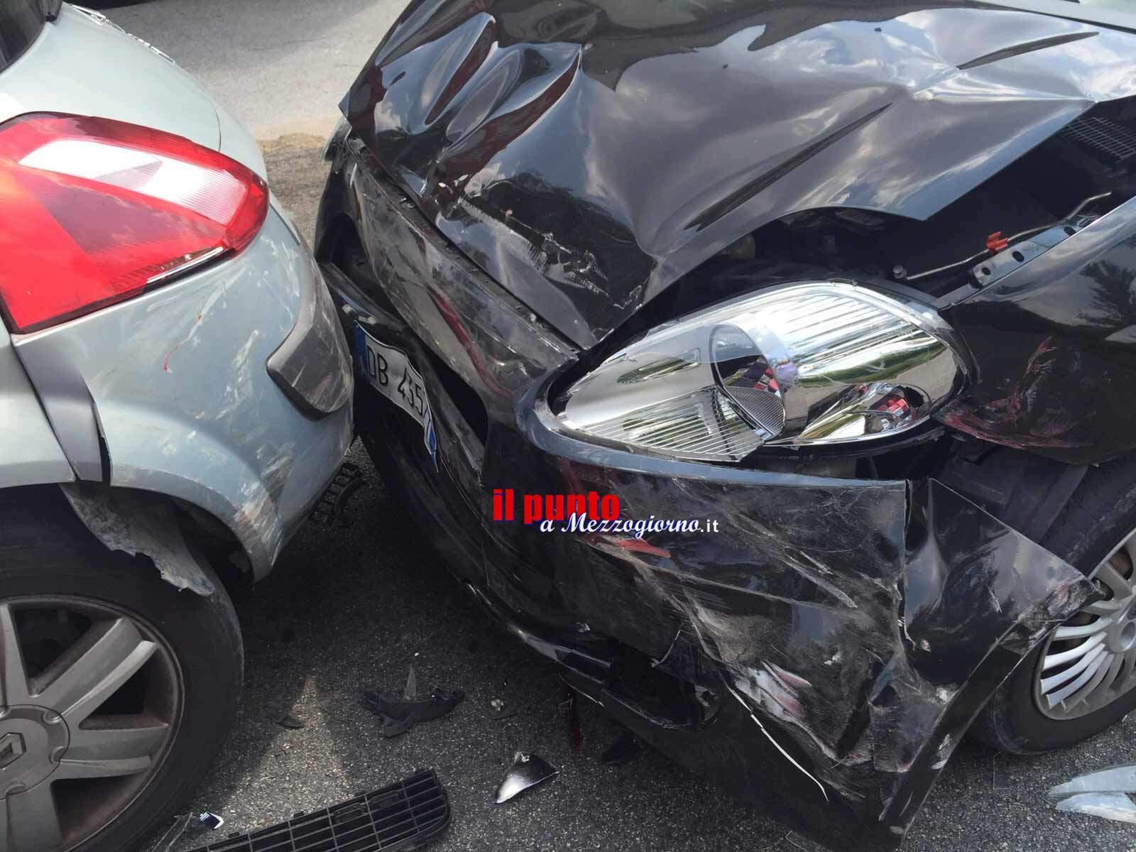 Falsi incidenti per frodare le assicurazioni, 20 misure cautelari