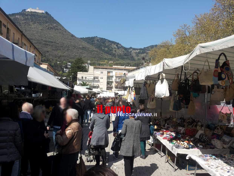 Il 25 aprile mercato abbigliamento a campo Miranda e animali via Verdi