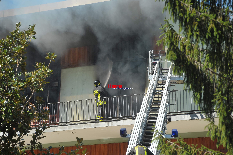 Villa in fiamme a Sora, due appartamenti disastrati. Struttura inagibile