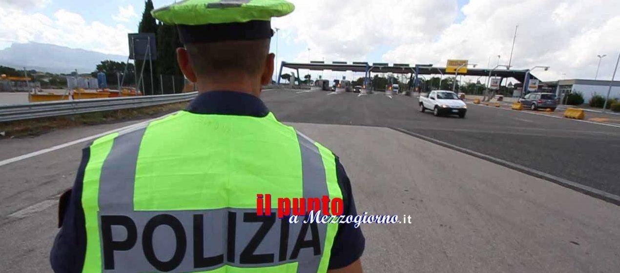 Fermati al caselllo autostradale di Frosinone con 240 grammi di canapa indiana, denunciati