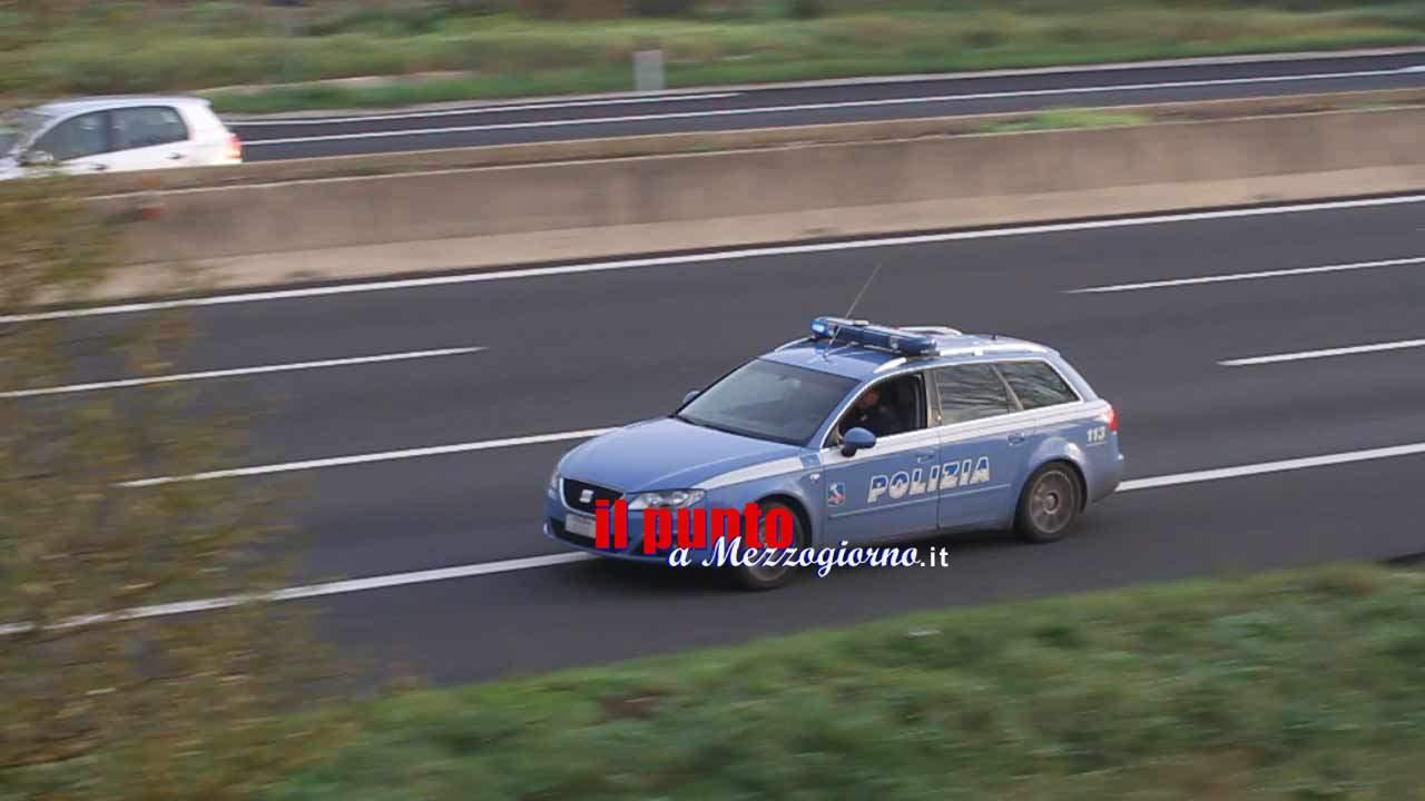 Pensionato 70enne ladro di auto per arrotondare, arrestato sull'A1 a Cassino