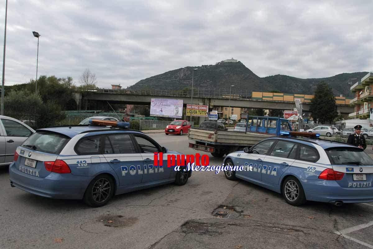 Tenta il furto con scasso nell'auto di una agente di polizia a Cassino, 50 arrestato