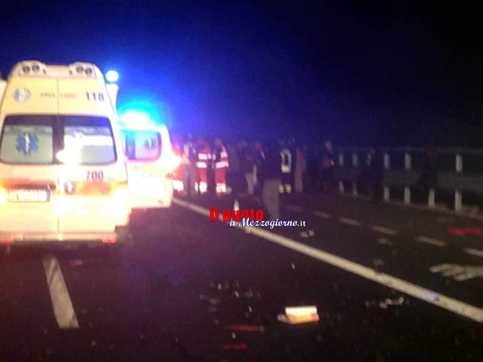 Tragedia sull'A1, camion fa strike tra mezzi incidentati tra cui pullman di turisti