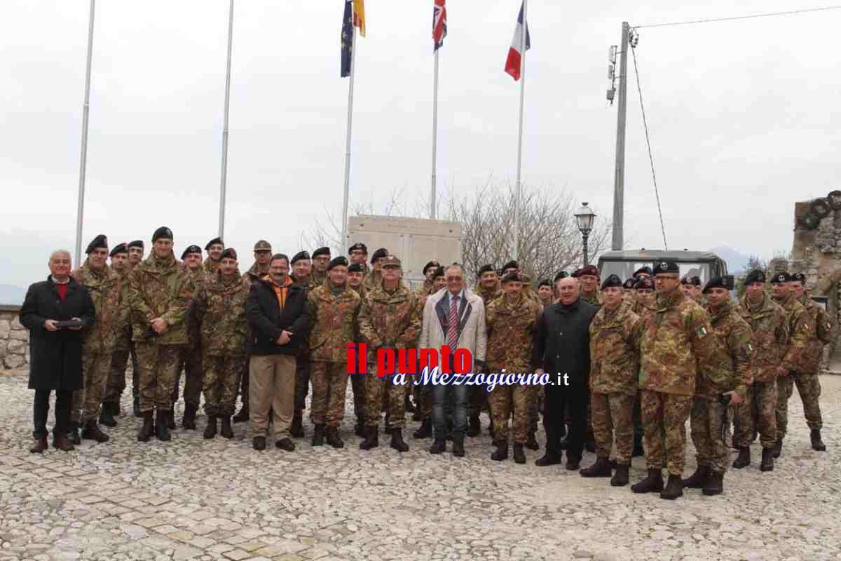 Ufficiali e sottufficiali dell'Esercito sui luoghi delle battaglie della seconda guerra mondiale
