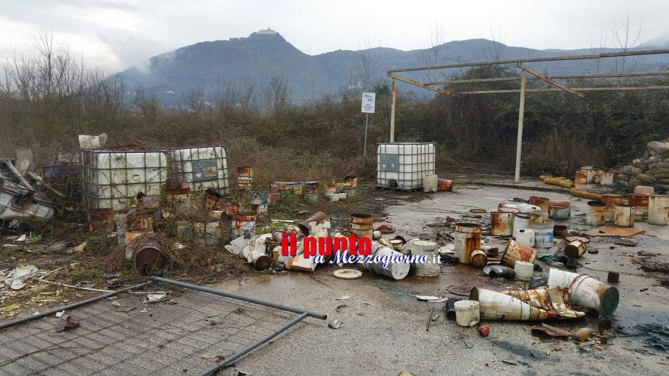 Svic a Cassino, la ex fabbrica di vernici abitata da decine di immigrati