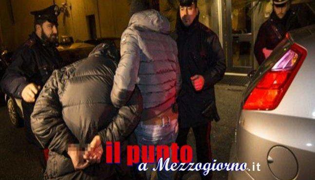 Rapinavano coppiette appartate, arrestati quattro 20enni