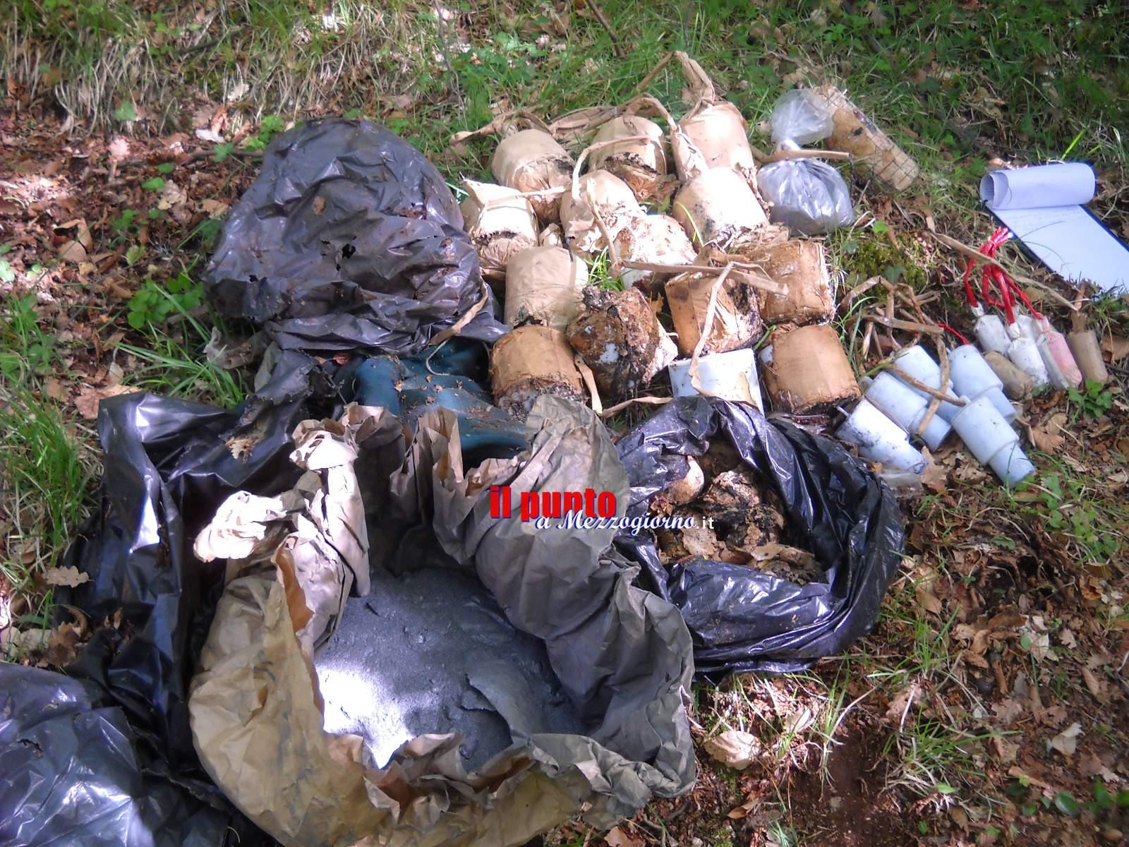 Botti abbandonati nella piazzola di sosta a Campoli Appennino, la Forestale li trova e sequestra