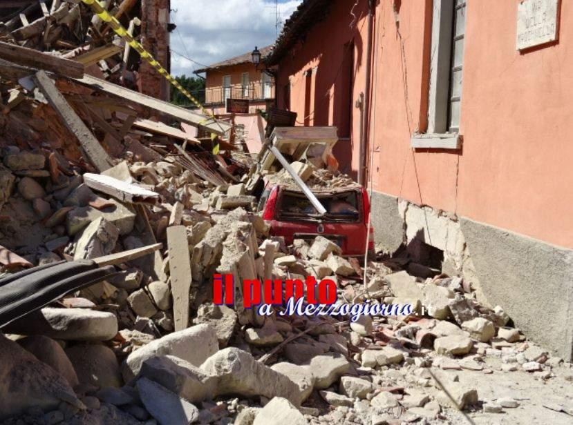 Terremoto ad Amatrice, crolla parte di casa nella località Preta