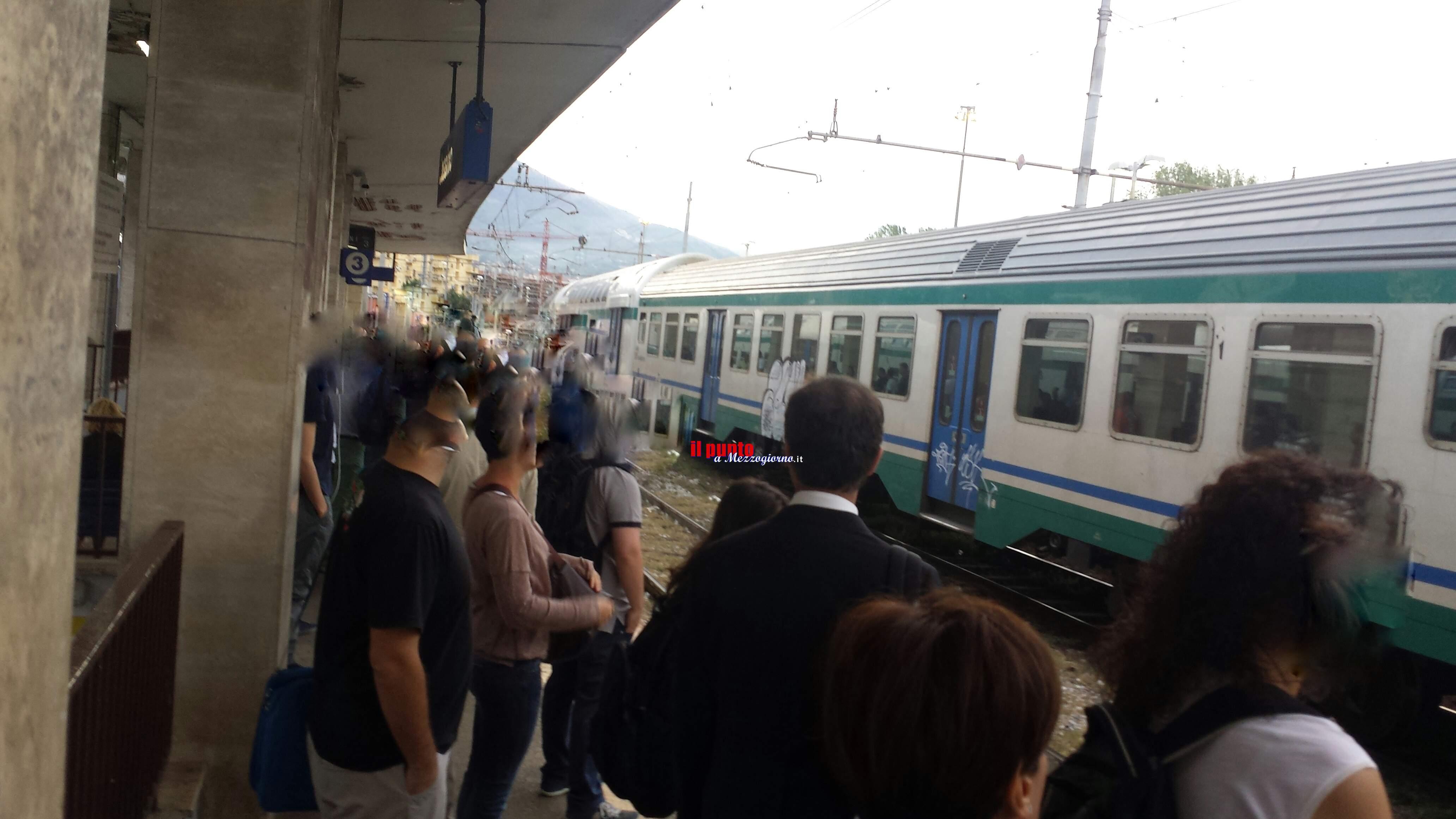 Treni fermi tra Roma e Napoli, disagi per pendolari di Cassino e Frosinone