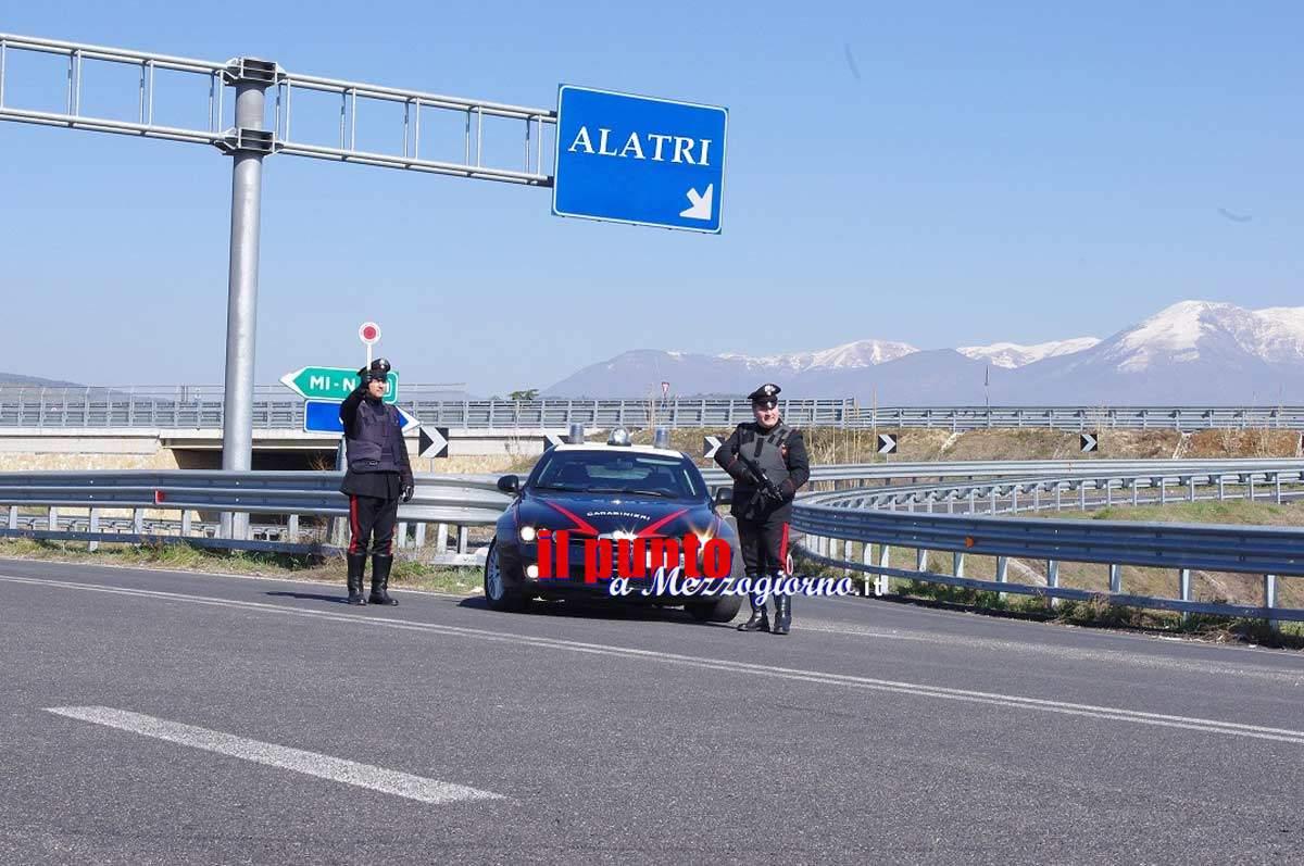 Veroli – Tampona un'auto sulla superstrada e scappa, 35enne denunciato