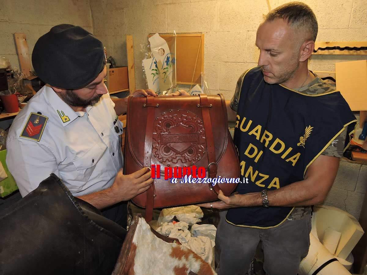 Laboratorio artigianale di accessori per moto con marchio Harley Davidson scoperto e sequestrato ai Castelli Romani