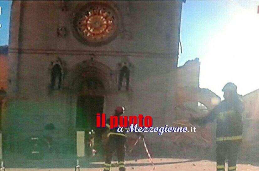 Terremoto, a Norcia crollano la basilica di San Benedetto e la cattedrale di S. Maria Argentea