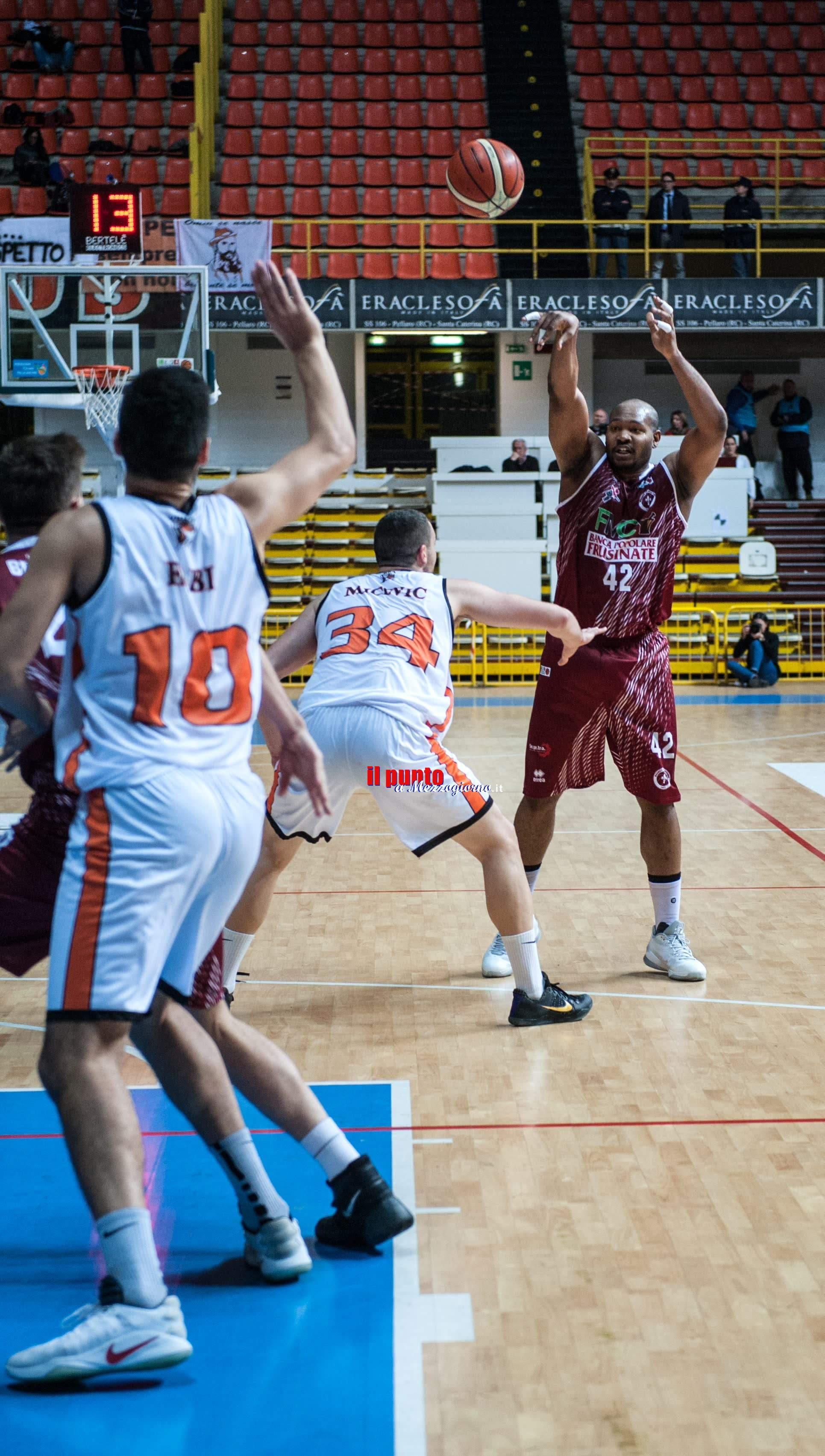 Basket: Ferentino passa a Reggio Calabria contro la Viola 89-76