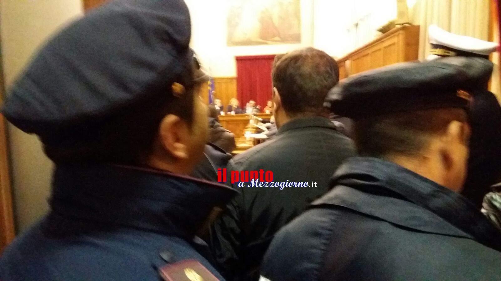 Cassino – Tensioni in consiglio comunale, proteste per il diritto alla casa