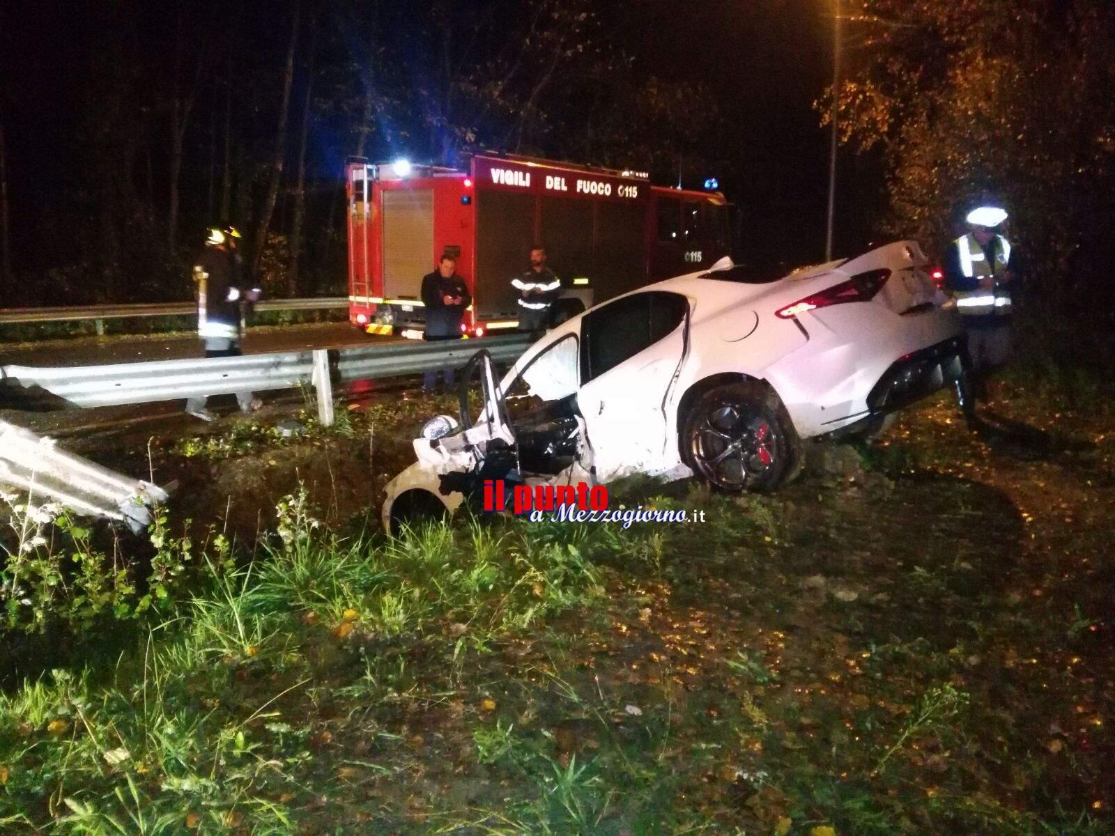 """Incidente stradale, Giulia """"inciampa"""" sullo stradone Fiat. Ferito il collaudatore"""