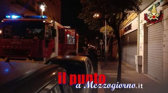 Incendio in una paninoteca ad Aprilia, evacuato il palazzo