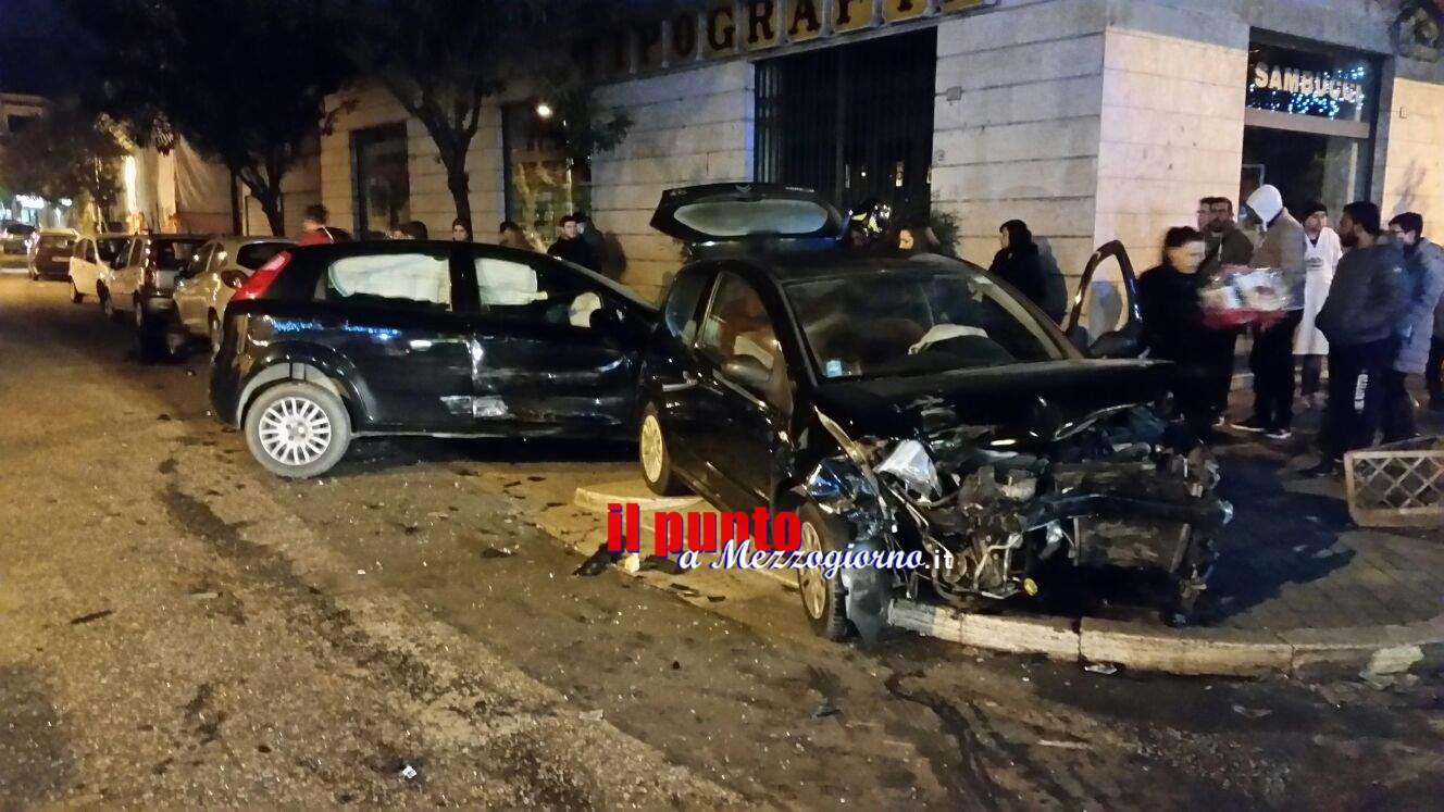 Cassino-Incidente tra viale Dante e via Pascoli. Forte impatto tra due auto; feriti in maniera lieve
