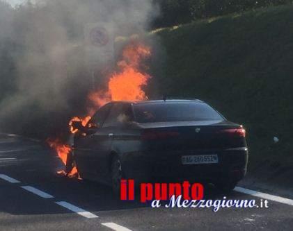 Auto in fiamme sull'A1, famiglia svizzera con bimba di tre mesi salva per miracolo