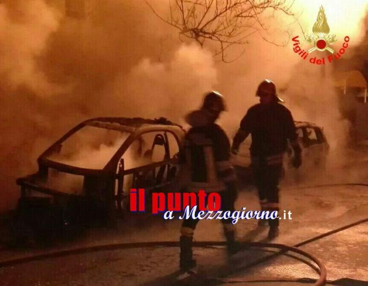Cinque auto distrutte in due incendi nel Pontino. Indagini in corso