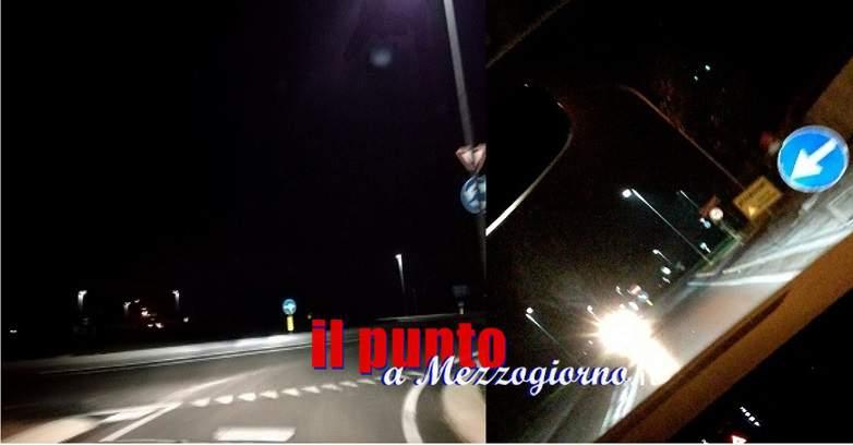 La rotatoria sulla Casilina, a Castrocielo, poco illuminata e visibile
