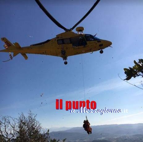 Operazioni di soccorso su monte San Castro a Sora, donna ferita recuperata con elicottero
