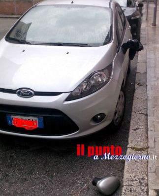 Auto di dipendente del Tribunale vandalizzata in via Petrarca a Cassino