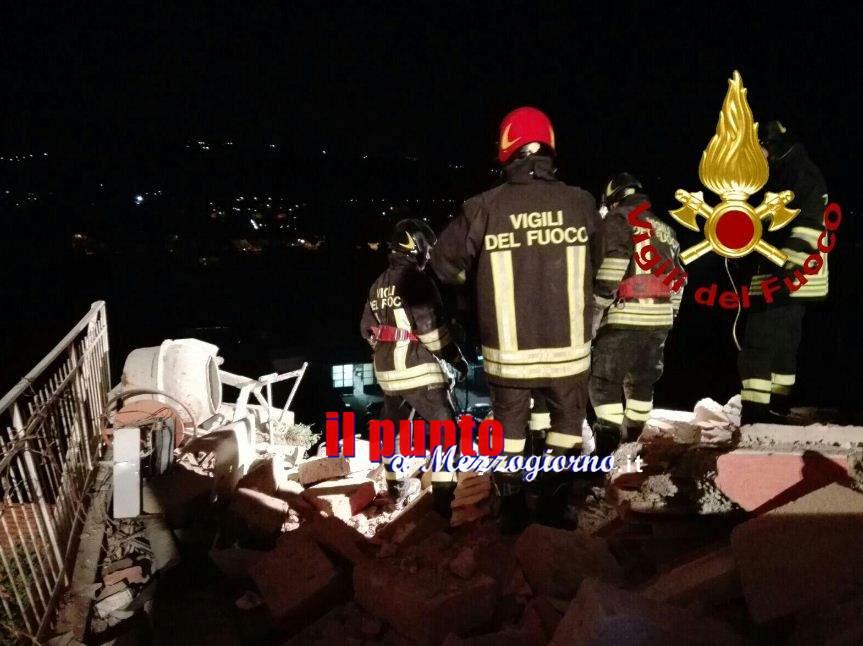 Fuga di gas ad Ariccia, esplosione in palazzina. Coppia estratta dalle macerie
