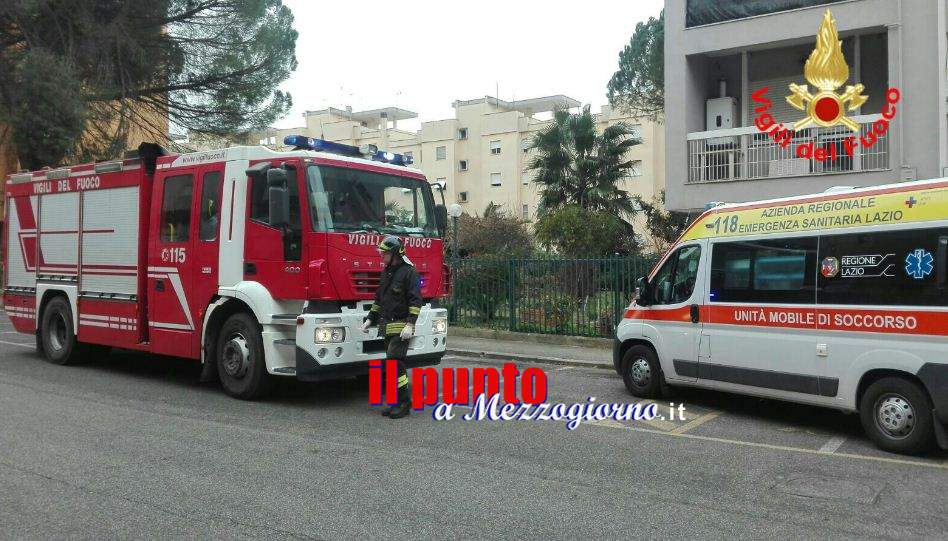Ferita in casa, anziana salvata dai pompieri