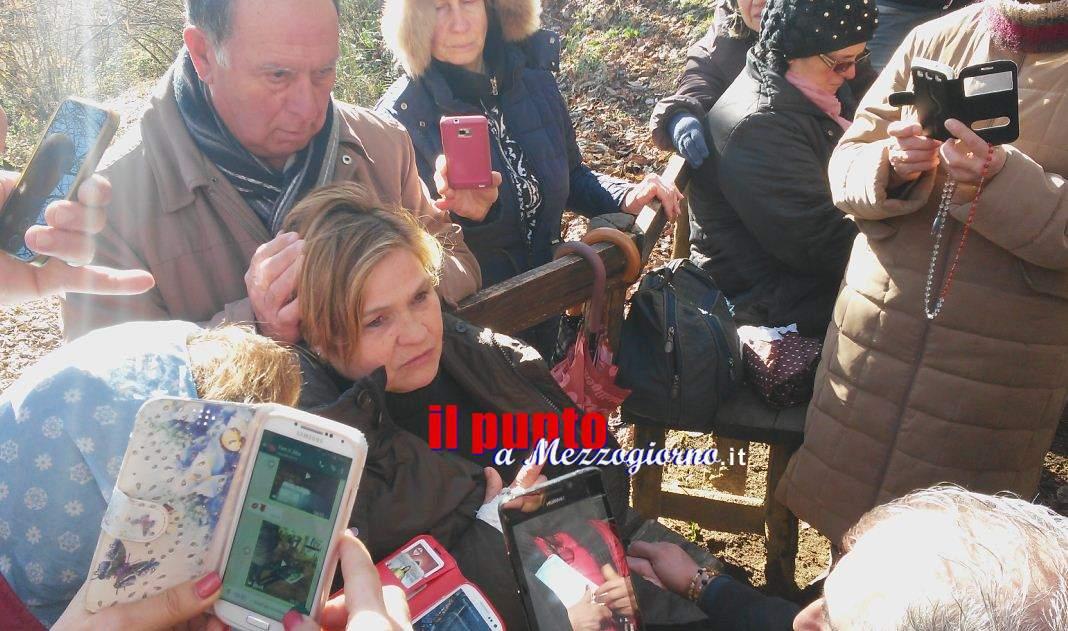 """La Madonna parla alla veggente di Velletri: """"Donate Bibbie ai vostri figli"""" – IL VIDEO"""