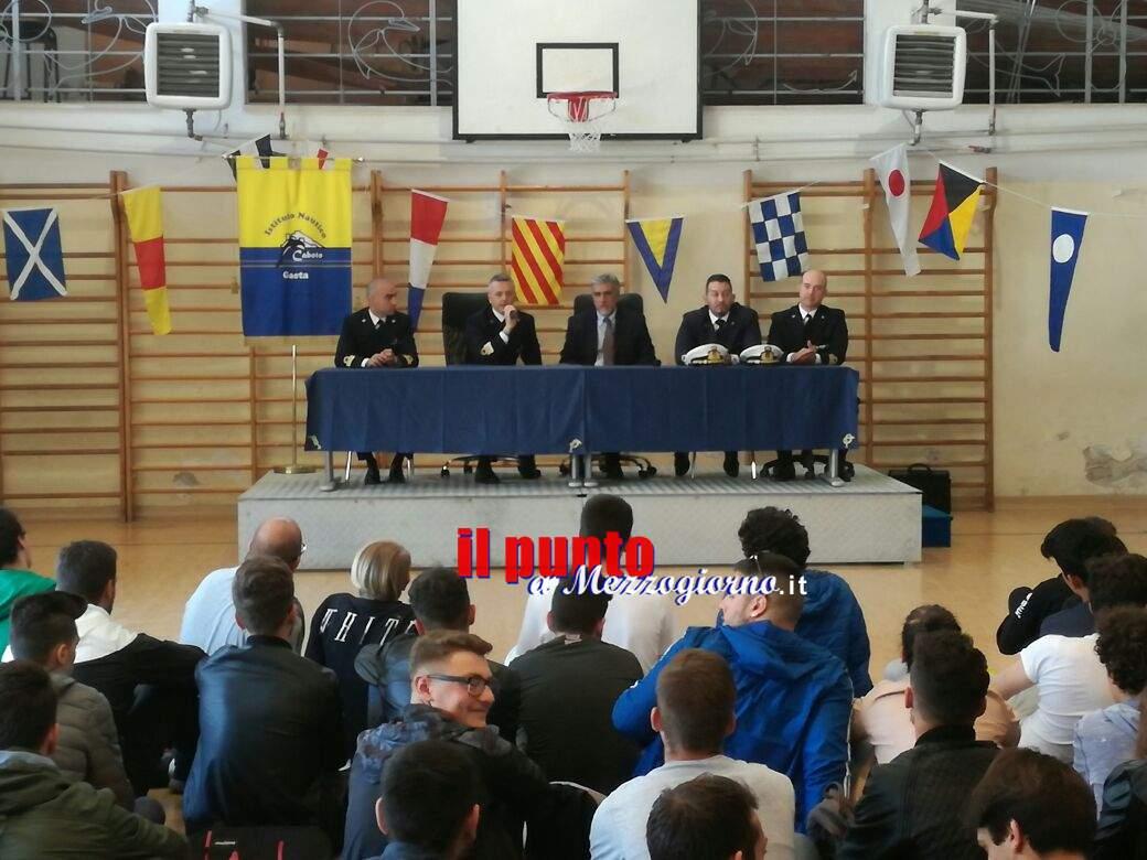 Alternanza scuola lavoro, gli studenti della Caboto di Gaeta si confrontano con la Capitaneria di Porto