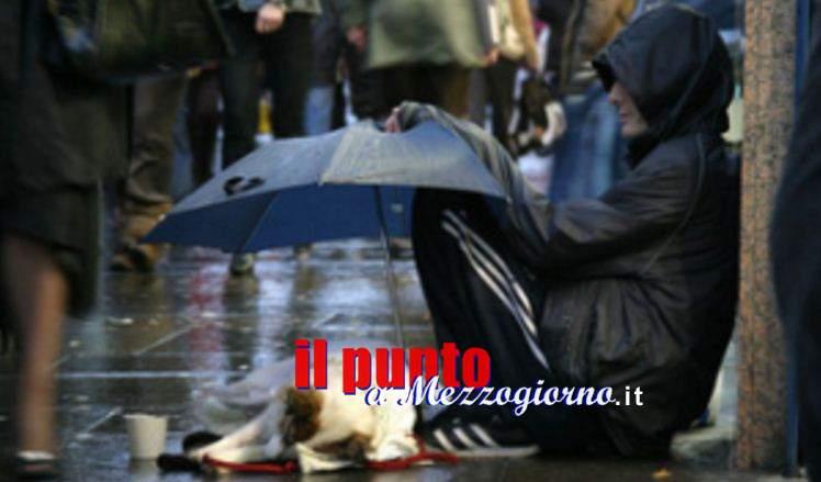Senza tetto ubriaco a Cassino, polemiche in piazza Diamare