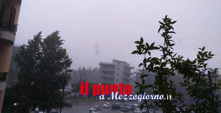 Violento temporale su Cassino, pioggia, forte vento con lampi e tuoni