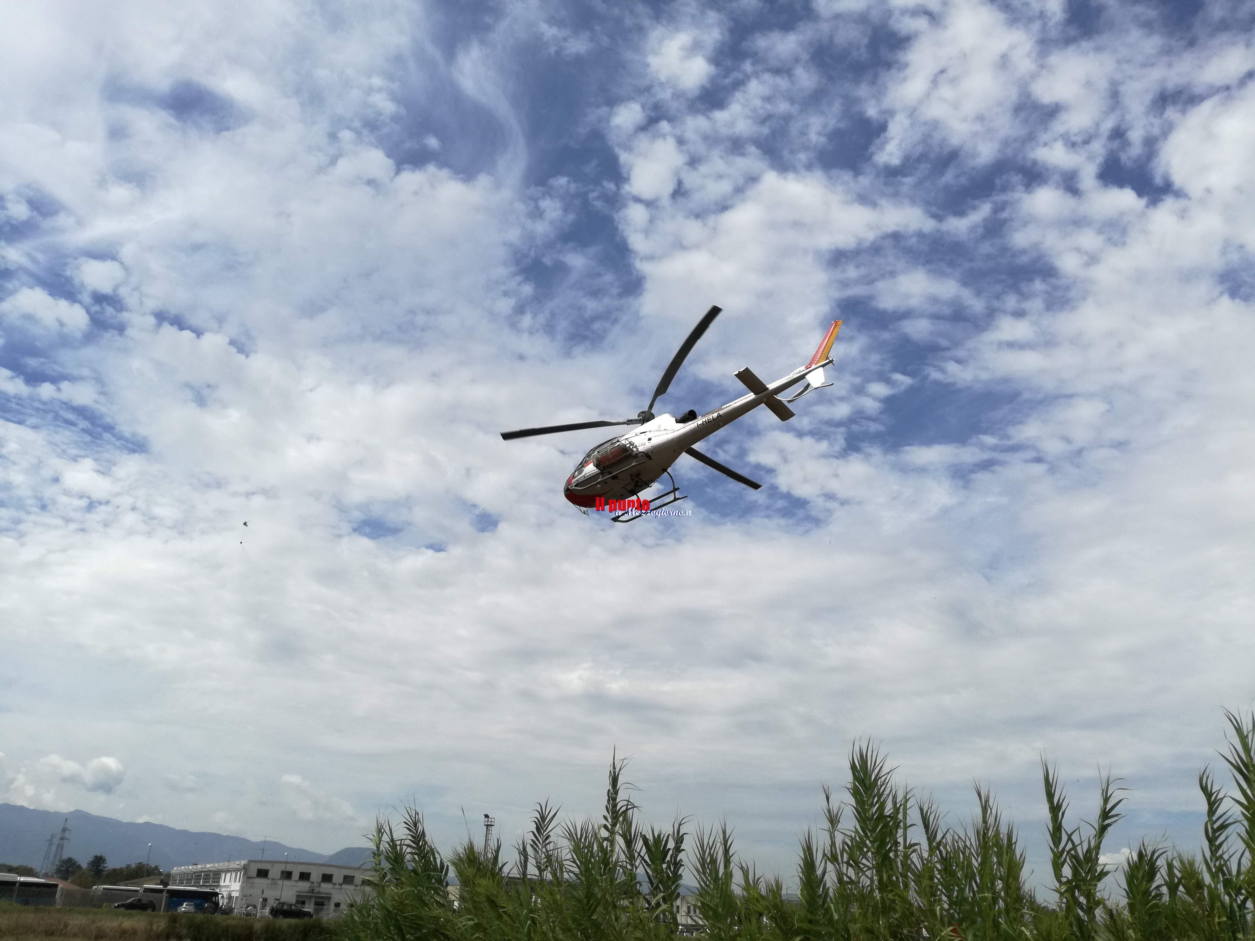Villa Santa Lucia- Incendio nella parte montana, elicottero e canadair a lavoro per domare le fiamme