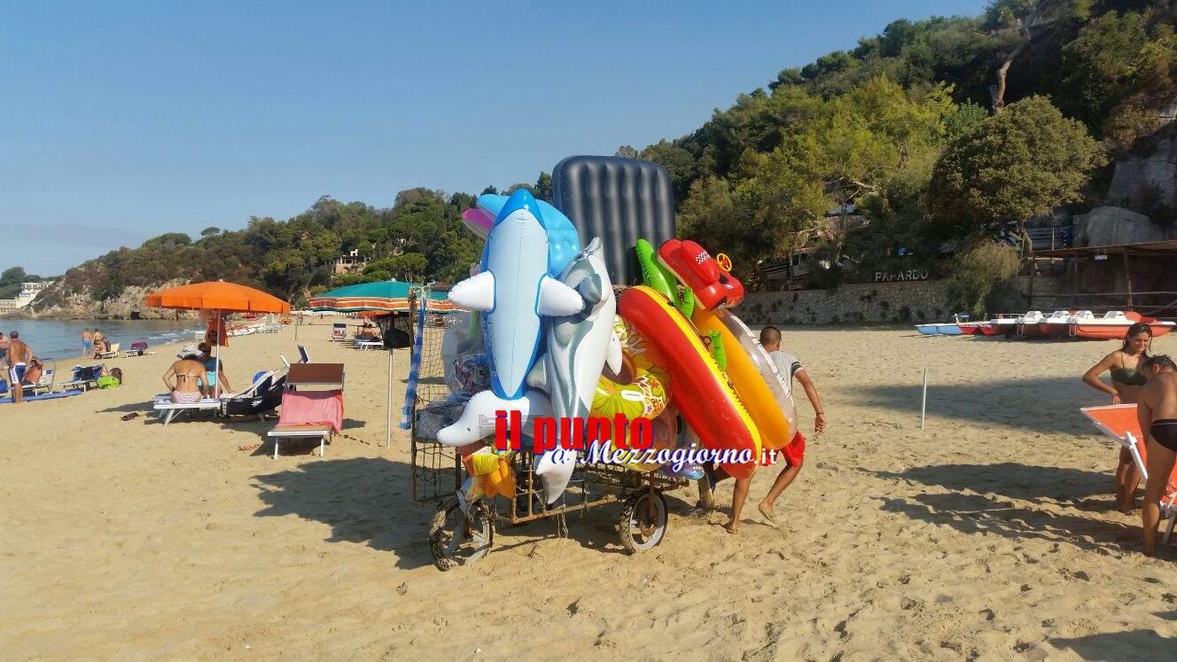 Coltellata in spiaggia per un pallone, ferito ambulante sotto occhi di bagnanti Cassinati